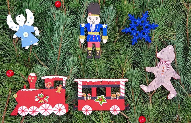 Tutoriel : décoration sapin noel traditionnel avec des supports en bois à décorer !