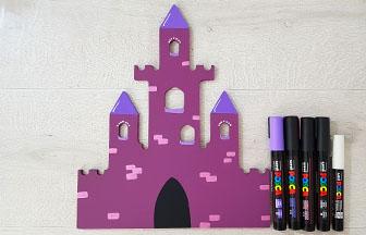 château en bois à colorier avec des feutres