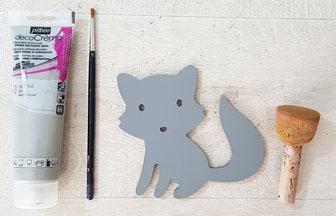 peindre le raton laveur en bois