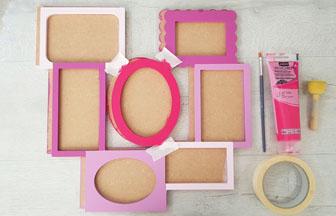 cadre photos en bois à customiser avec du fuschia