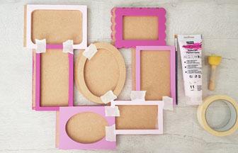 cadre photos en bois customisé avec du rose pastel