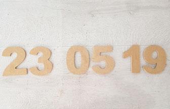 chiffres en bois à customiser