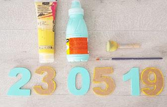peindre les chiffres en bois