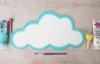 peindre en blanc le grand nuage en bois