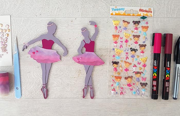 petites danseuses en bois à décorer avec des stickers et posca