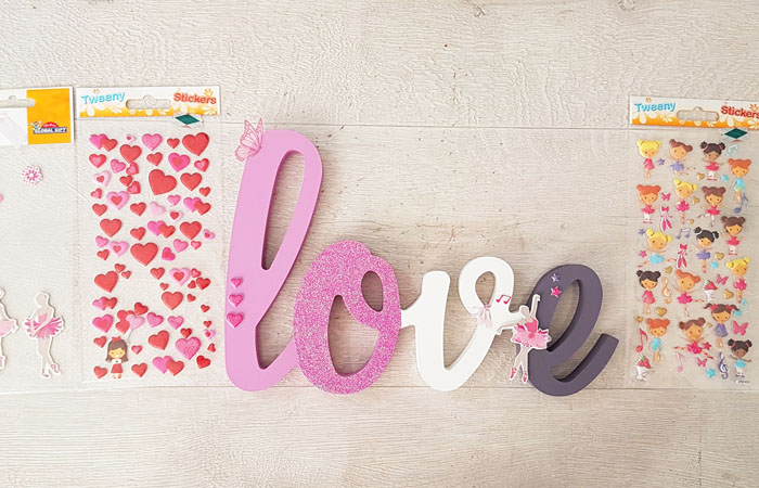 magnifique mot à poser love en bois