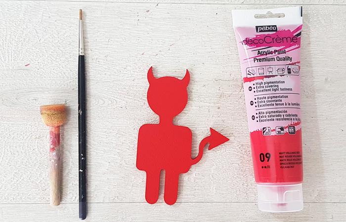 petit diable en bois à peindre en rouge