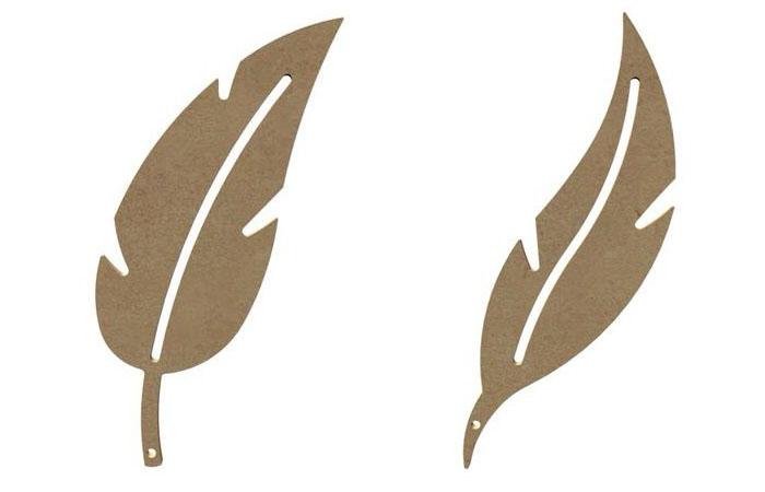 petites plumes en bois