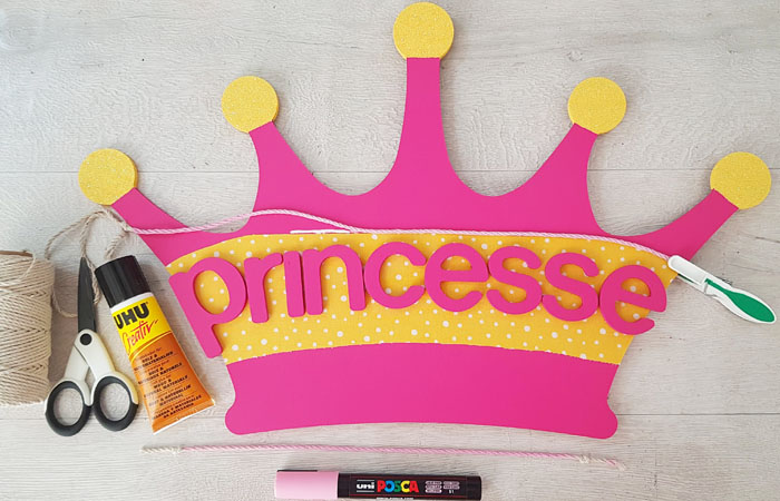 customiser la couronne de princesse en bois en DIY