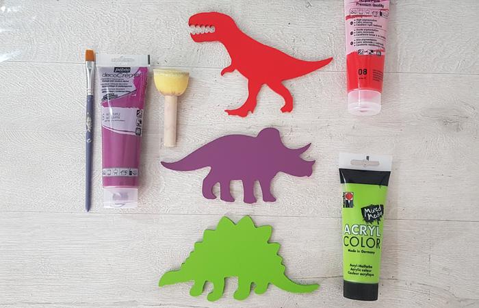 tyrex, tricératops et stégosaure à peindre en bois avec le tuto dinosaure