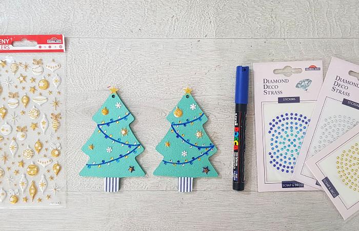 support en bois sapin de Noël à décorer en do it yourself