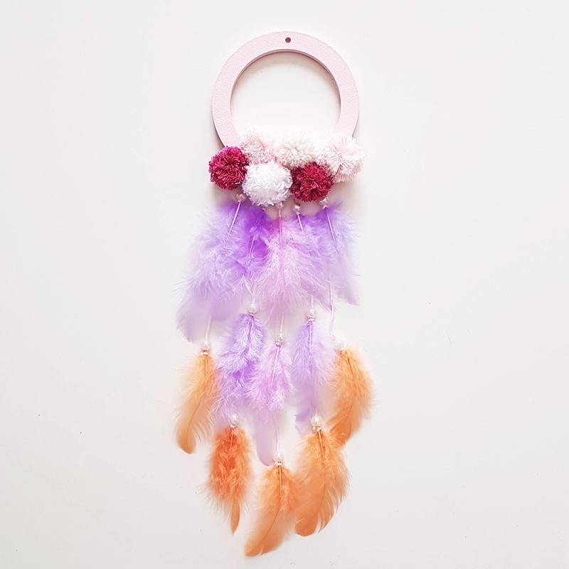 attrape-rêve fabrication avec des plumes et perles