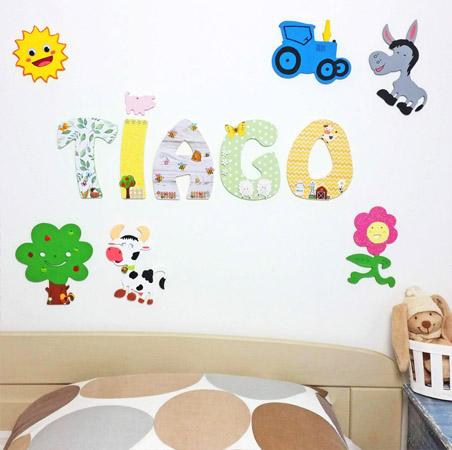 décorer la chambre d'un enfant avec les lettre bois