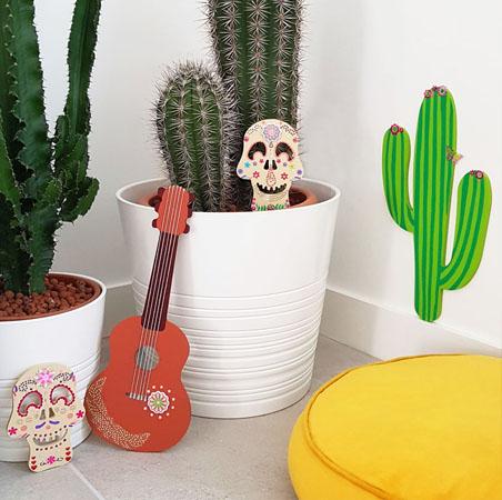un cactus en bois pour halloween