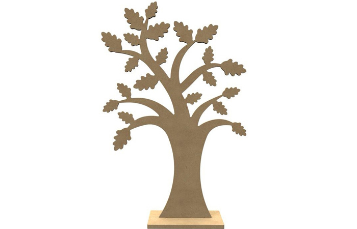 un arbre en bois chêne à décorer