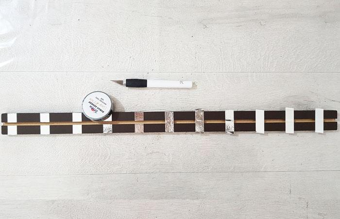 réglette en bois à décorer sur le thème du rail