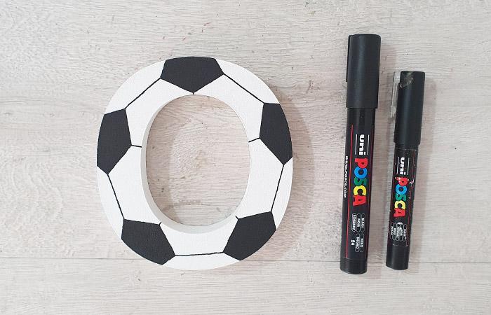 lettre en bois à décorer sur le thème di foot