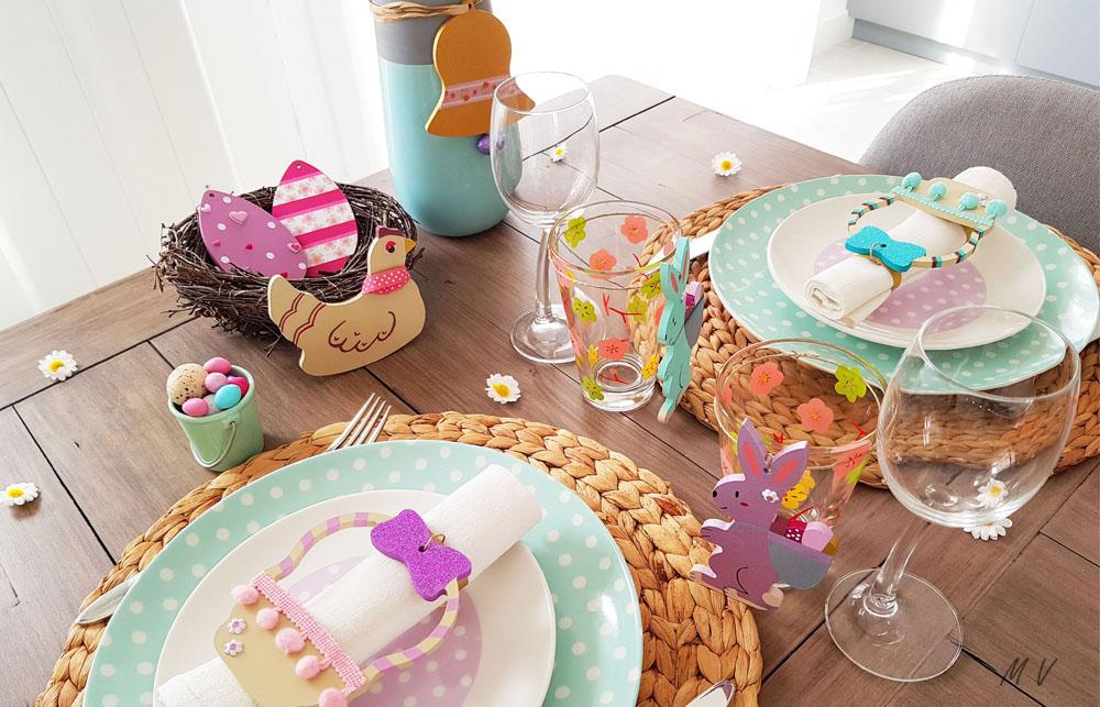 Une décoration de table spéciale pâques en bois à faire en famille