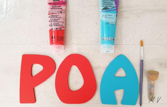 lettres en bois à peindre en rouge et bleu