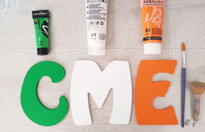 lettres en bois à peindre en vert et orange