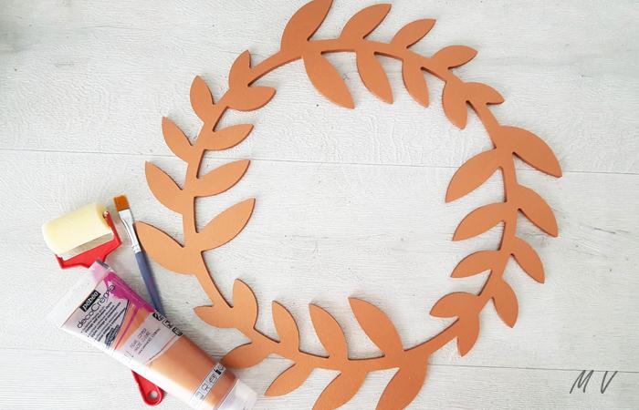 déco murale avec des fleurs séchées en bois