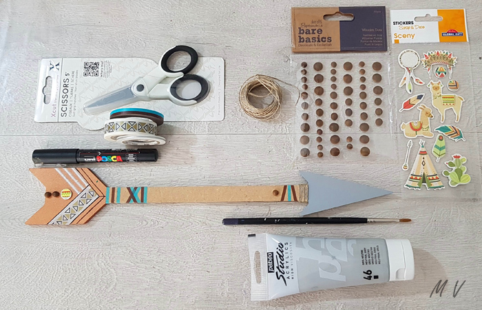 flèche en bois à customiser en diy