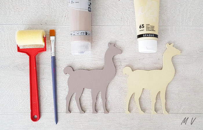 peindre les lamas en bois