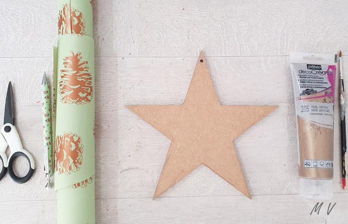 décoration d'étoile en bois à peindre en cuivre