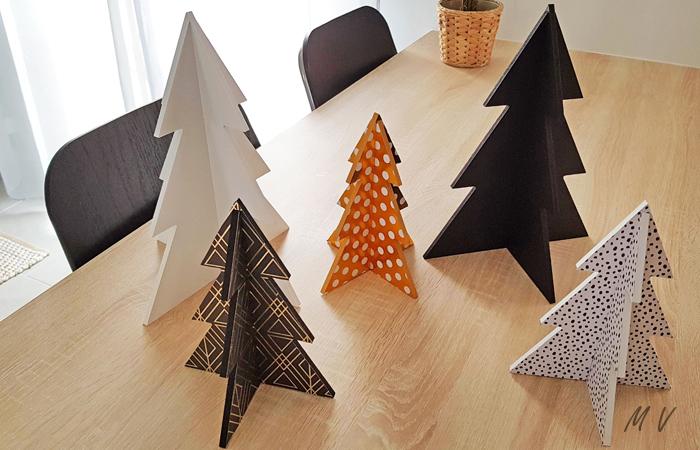 une déco de table de Noël avec les sapins en bois à poser
