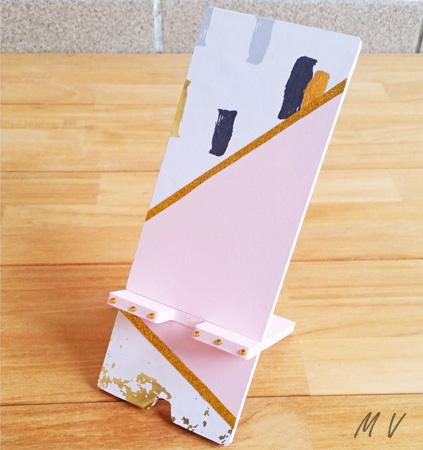 porte téléphone en bois à peindre en rose pastel