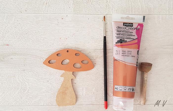 peindre en cuivre le champignon à suspendre au sapin de noël nature
