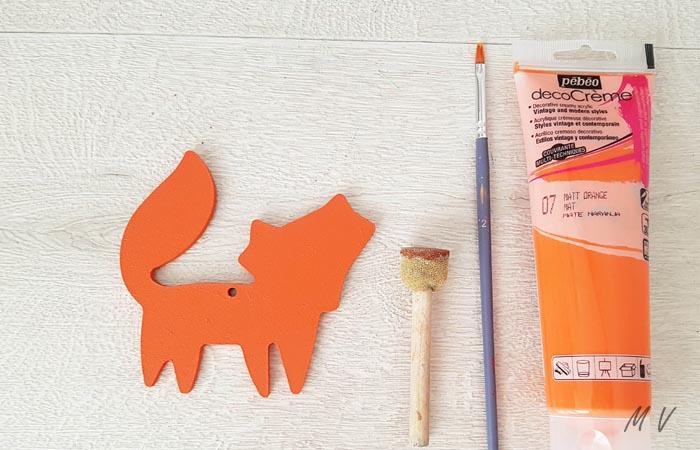 peindre le renard en bois en orange