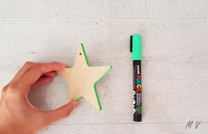 colorier les tranches de l'étoile en bois