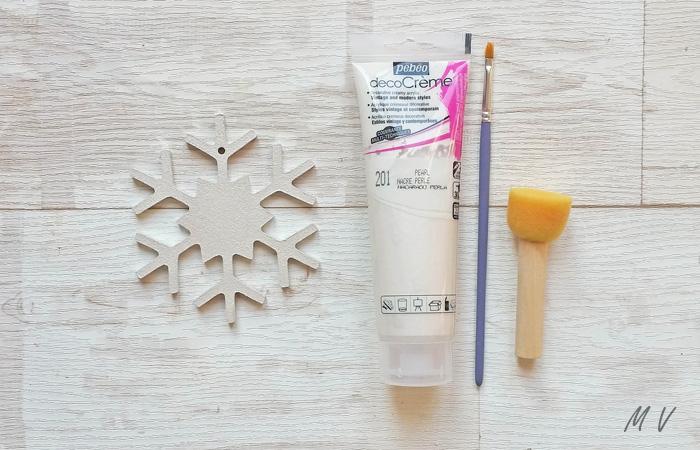 flocon en bois à peindre en banc nacré