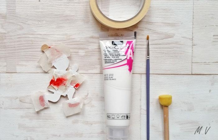 peindre le lutin en bois en blanc