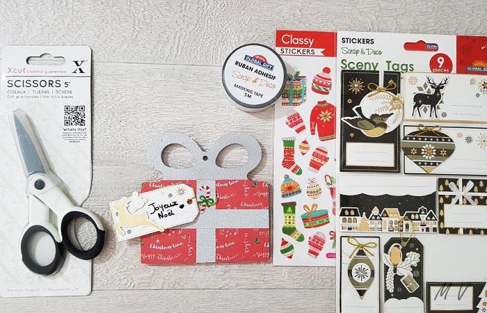 paquet cadeau à décorer pour le sapin de noël authentique